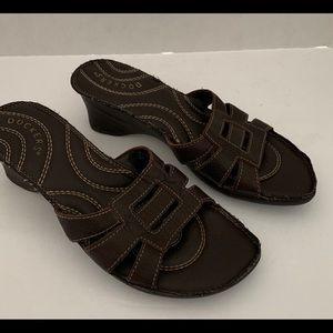 Women's Dockers leather slip on sandals. Size 7.5
